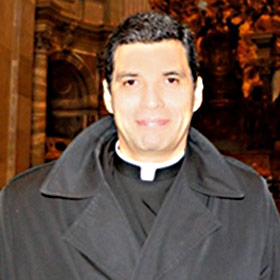 Padre Luis Chavarria